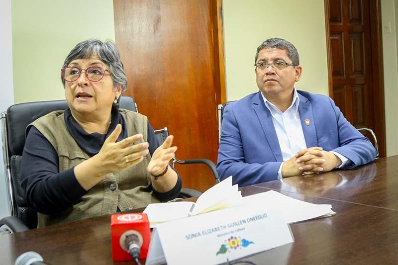 Ministra de Cultura y Alcalde de Huamanga dan a conocer medidas preventivas frente al Coronavirus