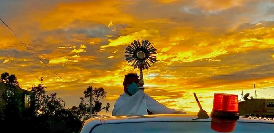 Recorrido del Santísimo por calles de Huamanga en Jueves Santo
