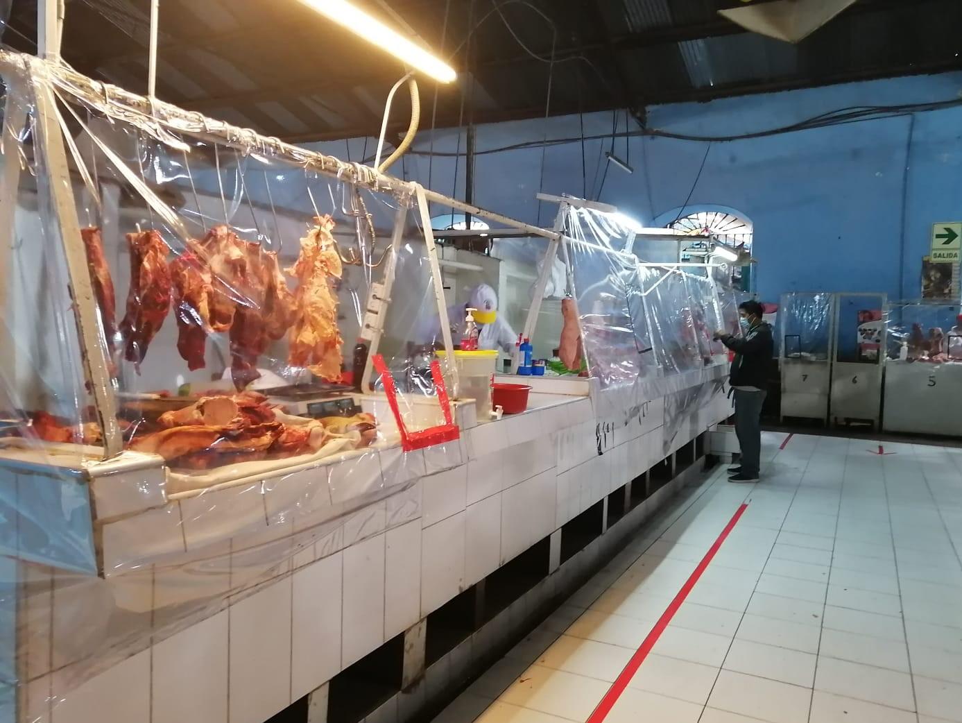 Mercados locales cumplen con protocolos de salubridad